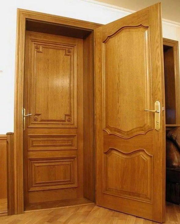 Входные двери из дерева для частного дома