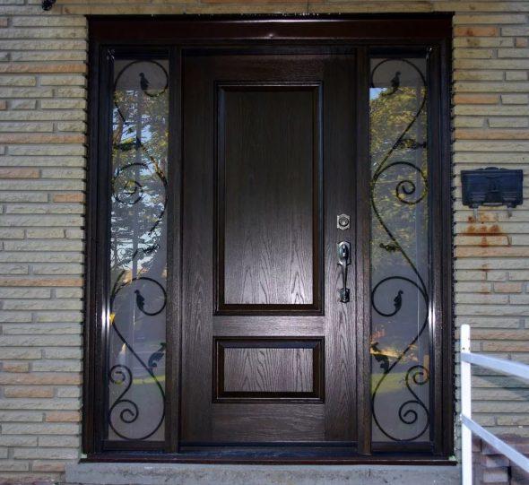 Утеплённая входная дверь в дом