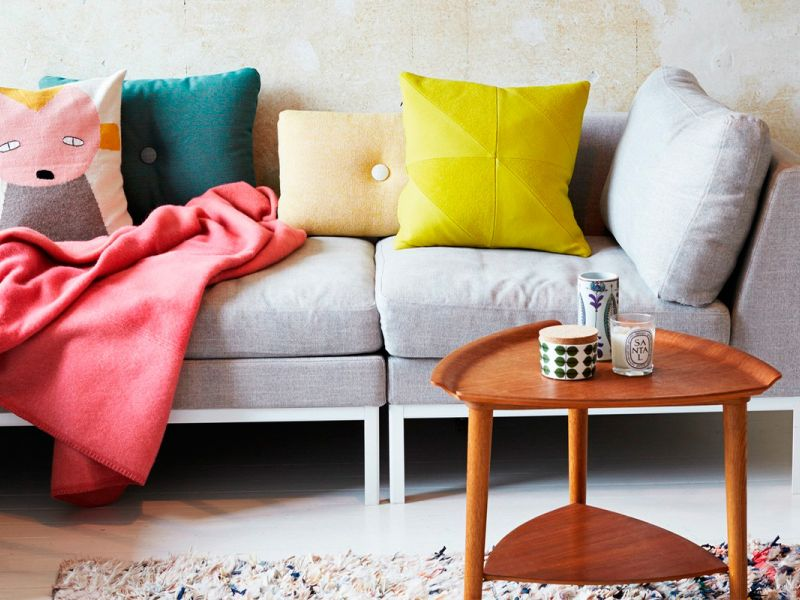 Подушки для серого дивана: идеи подходящих вариантов на фото