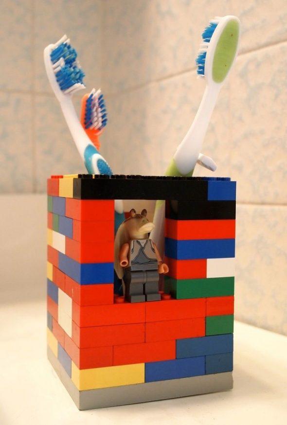 Держатель для зубных щёток из лего