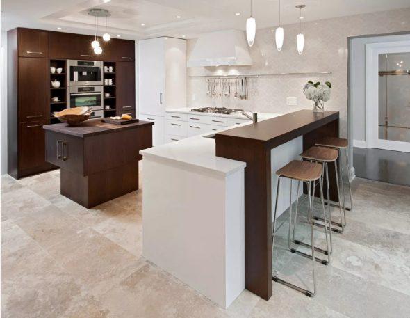Дизайн кухни с барной стойкой и гостиной