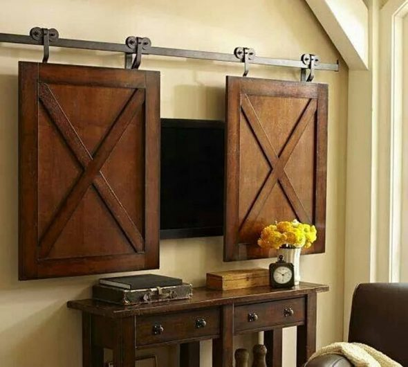 Телевизор за раздвижными дверками