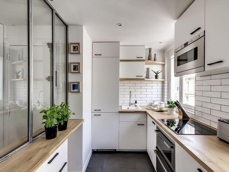 Как выбрать место для холодильника на маленькой кухне
