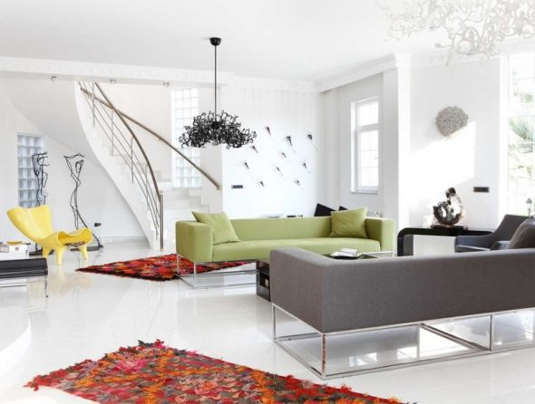 Сочетание двух ковров в комнате