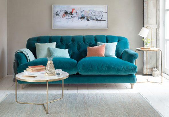Бирюзовый диван в интерьере