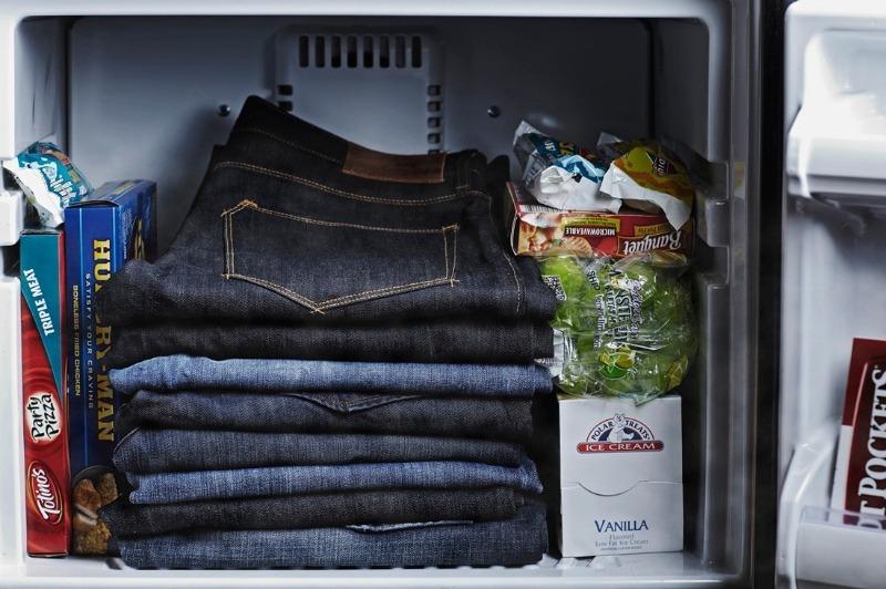 5 причин хранить одежду в холодильнике